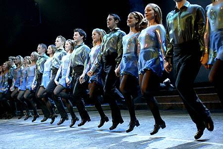 Troupe Riverdance en représentation