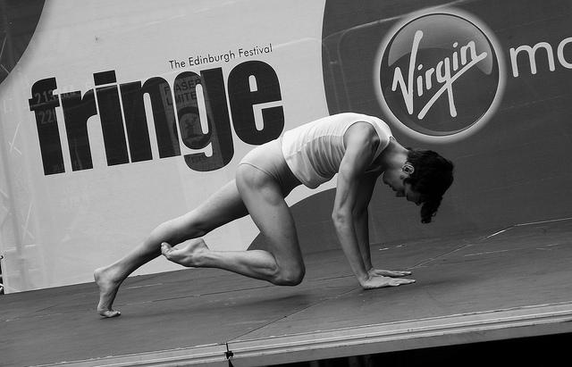 Un homme faisant du Fit'Ballet.