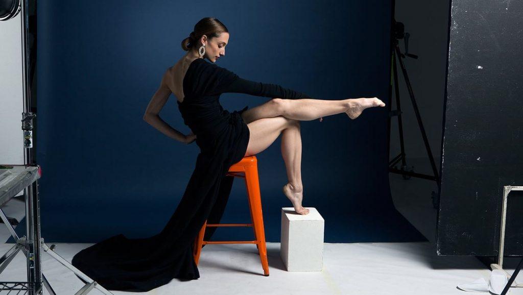 La danseuse étoile Dorothée Gilbert en shooting.