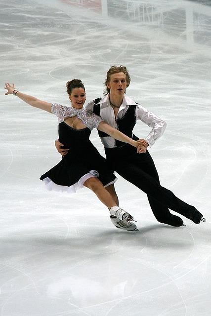 Couple de danse sur glace.