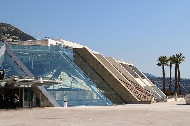 Spectacles de danse au Grimaldi Forum de Monaco.