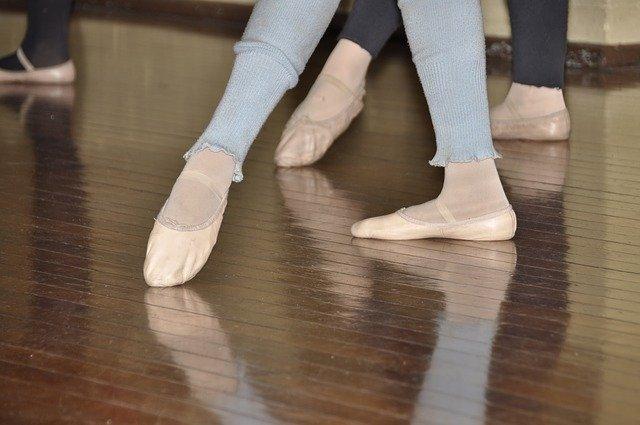 Cours de danse de ballet.