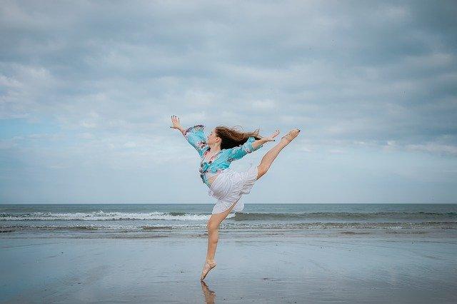 Danse et émotions sur la plage