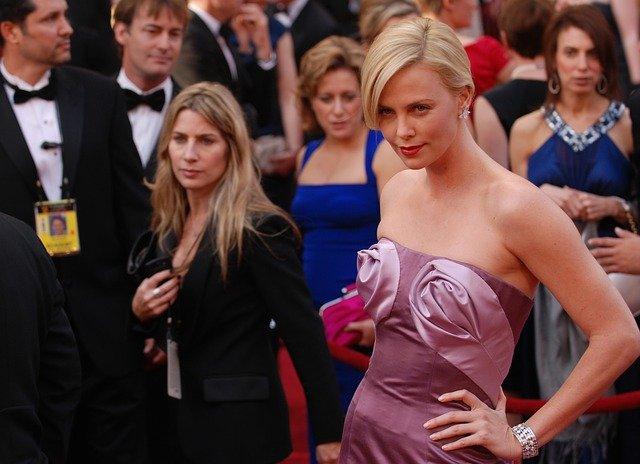 Charlize Theron, une ex danseuse devenue célèbre.